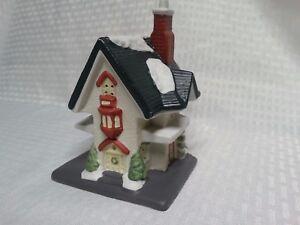 Santa's Best Christmas Village House Ceramic Vintage 1995 house