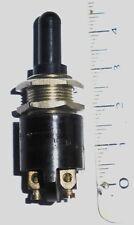 Interrupteur à bouton poussoir (pièce rechange émetteur TAL6  Armée Française)