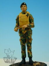 Accurate Armour 1:35 UK Amphibious Engineer Helmsman F40*