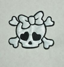 patch skulls girl,tete de mort, chat kitty, satin blanc, broder, thermocollant