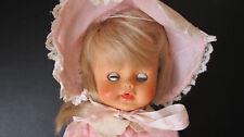 Vintage Baby Doll en robe rose et rose Bonnet par Regal Toy Company (années 1960)