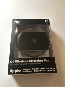 Just Wireless Qi WPC Certified Wireless Charger Charging Pad 5W/1A with AC Wall
