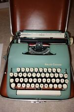 VINTAGE 1940'S SMITH CORONA STERLING TYPEWRITER IN GREEN METAL WITH CASE WORKS