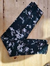 Chuns Tween one size fits most Green floral Leggings new