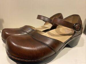 NWOB Dansko Brown Leather Mary Jane Clogs Comfort Shoes Women Sz EU 37 6.5/ 7 US