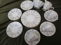 VERY PRETTY SELECTION OF ROYAL GRAFTON CHINA TEA/DINNERWARE 'CHANTILLY'