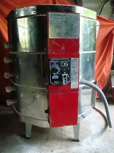 Skutt KM-1027 Pottery Kiln. Cone 10. 240V (Normal House Current). Refurbished