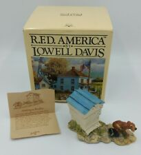 "1987 Lowell Davis ""Making a Beeline"" Figurine Retired with box"