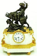 EINZIGARTIGE KMINUHR / FIGURENUHR. BRONZE & CARRARA MARMOR  um 1840