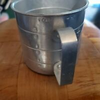 Vintage Metal Tin Aluminum Measuring Cup w handles 1 Cup 8oz Old Collectible
