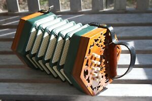 Anglo 20 Key Button Brass-Reeded Antique Concertina Squeeze Box. Worldwide Sale