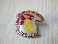 Pin's vintage épinglette Collector pins publicitaire PARAPLUIES W045