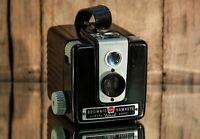 Beautiful Vintage BROWNIE HAWKEYE Flash Model KODAK Camera