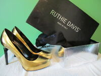 RUTHIE DAVIS Gold/Black Patent Stiletto Pumps NIB 38 Gorgeous Sexy glam! REDUCED