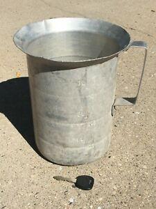 Vintage Aluminum 1-4 qt. Measuring Pitcher Halcoware Farm? Milk House? Kitchen