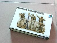 Trumpeter 1/35 #00423 Modern U.S. Marine M252 Team