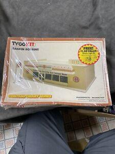 Vintage Tyco Ho Scale Model Trains Train Building Kit Baskin Robbins New