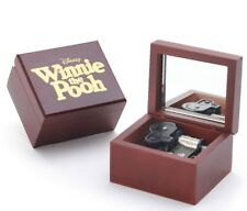 Red Wood Engrave ( WINNIE THE POOH ) Wind Up Music box