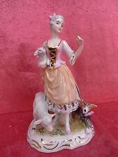 schöne,alte Porzellanfigur___Dame mit Schafen__gemarkt  !