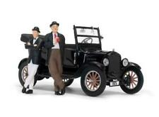 Laurel and Hardy Figures with 1925 Ford Model T 1:24 Scale Sun Star 1905