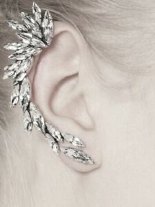 GLAMOROUS MARQUISITE CUT RHINESTONES AND PEARL EAR CUFF - RIGHT EAR