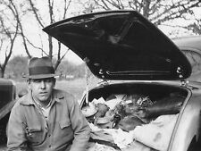 VINTAGE 1937 DUCK HUNTING FUNNY UNUSUAL CLASSIC CAR TRUNK GOODFELLA OLD PHOTO