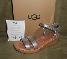 UGG I HEART JOBLYN CRACKLE SILVER SANDALS WOMENS SIZE 9 JUNIOR SIZE 7 NEW IN BOX