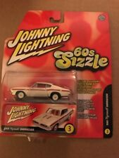 Johnny Lightning 1969 Plymouth Barracuda #3, 60s Sizzle | 1:64