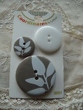 Card La Mode Coordinates Serenity Leaves - 3 Buttons