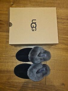 UGG SCUFFETTE SLIPPERS Womens size 4 Brand New