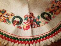 Vintage Christmas Tree Skirt White Felt Teddy Bear  Wreath Rennoc Secret Santa