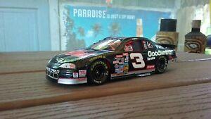 NASCAR 1/24 Diecast Dale Earnhardt 98 Monte Carlo