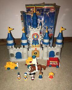 Boxed Vintage Disney Magic Kingdom Castle Playset Disneyland Lil Playmates 1987