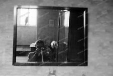 Negativ-Kamera-Mann-Camera-Man-Spiegel-Selbstportrait-1930er Jahre-127