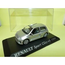 RENAULT CLIO SPORT V6 1999 Gris UNIVERSAL HOBBIES Collection M6 1:43