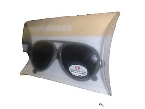GAP Baby / Toddler Boy / Girl NWT Aviator Sunglasses - Gray With Dark Lenses