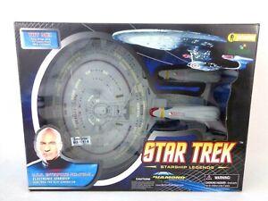 Star Trek USS Enterprise NCC-1701-D Art Asylum Diamond Select Excellent Box Rare