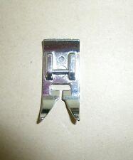 Scivolamento del piede si adatta Toyota Brother Singer Janome macchine da cucire #672580-FBD10