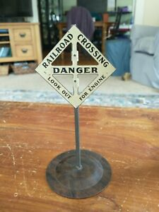 Vintage 1920s to 40s Marx Pressed Tin Model Railroad Crossing Danger Signal Sign