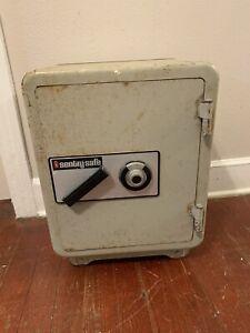 Antique Sentry Floor Safe w/wheels