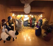 HAND KNITTED  NATIVITY SET & BESPOKE LED-Lights  WOODEN STABLE-CHRISTMAS/DISPLAY