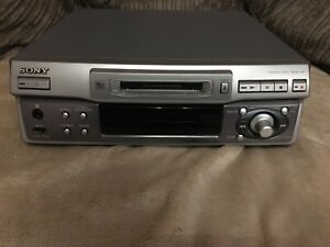 Sony mini disc player recorder MDS-S41 with Remote