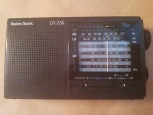 Vintage Portable Short Wave Radio Shack DX-350 12-Band Receiver AM FM LW SW