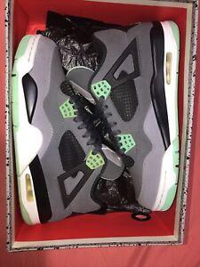 Size 9.5 - Jordan 4 Retro Green Glow 2013