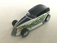 Hot Wheels TREASURE HUNT TH - 2002 PHAETON #007 - Real Riders Tires - Loose