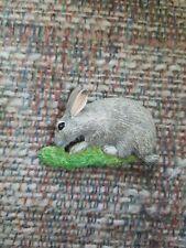 Vintage Resin Bunny Rabbit Animal Rodent Refrigerator Magnet Gray Grey Grass htf
