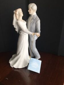 """NEW ROMAN,INC PORCELAIN """"FIRST DANCE """"THE VALENCIA FIGURINE Or CAKE TOPPER"""