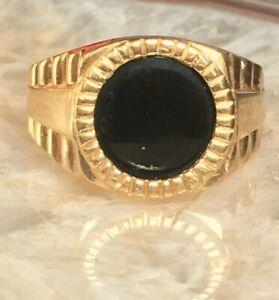 MEN'S YELLOW GOLD & ONYX SIGNET RING SIZE 9.75