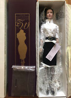 """Tonner Tyler Wentworth Signature Style Brown Hair 16"""" Dressed Doll 99800 NRFB"""