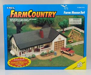 Ertl Farm Country Single Story Ranch Farm House Set 1:64 Scale Model New In Box